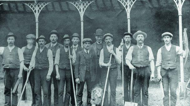 Fig 257 Workmen WEB