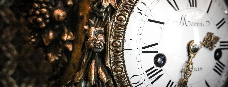 Banner clock